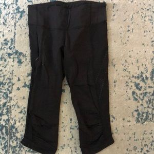 Lululemon luxtreme crop leggings size 6